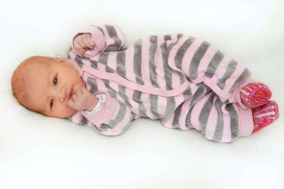 Kira Krätzig;Geboren am 14. Oktober 2020; Geburtsort: Ebersbach-Neugersdorf; Gewicht: 3.000 g; Größe: 48 cm; Eltern: Melanie Krätzig und Angelo Hübler; Wohnort: Ebersbach
