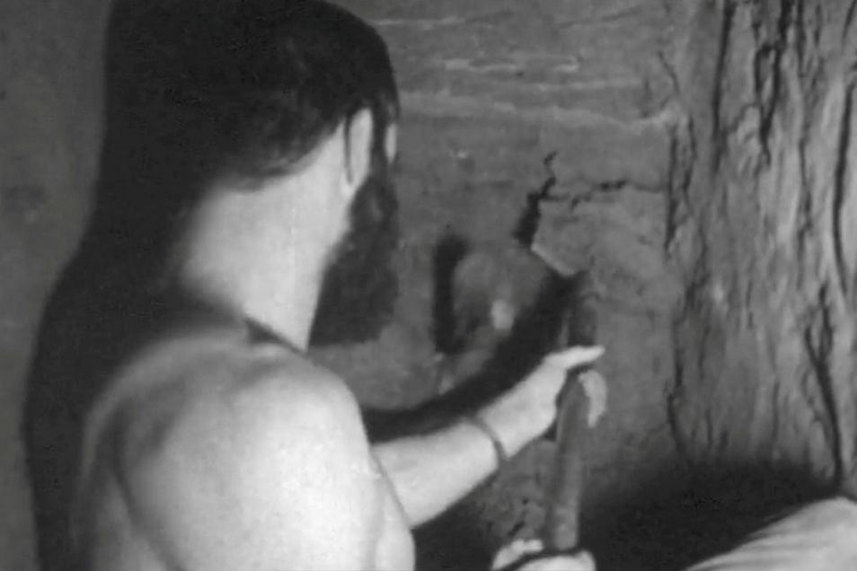 Fluchthelfer Hasso Herschel 1962 im Tunnel. Er ist der Onkel Astrid Moellers.