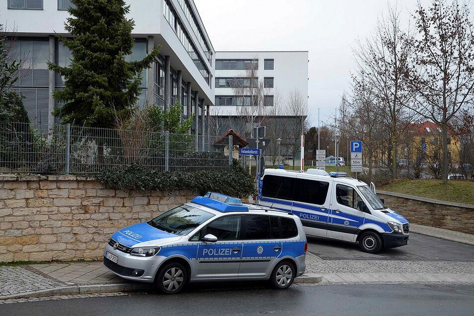 """Anfang 2019 geht bei einem Thüringer Gericht eine Bombendrohung ein. Es ist das zweite Mal binnen weniger Tage und wieder ist das Schreiben mit """"NationalSozialistische Offensive"""" unterschrieben."""