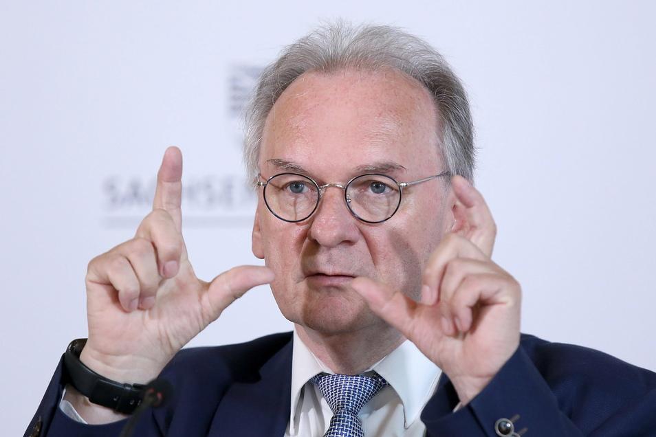 Sachsen-Anhalts Ministerpräsident Reiner Haseloff (CDU) hat die Erhöhung des Rundfunkbeitrags gestoppt.