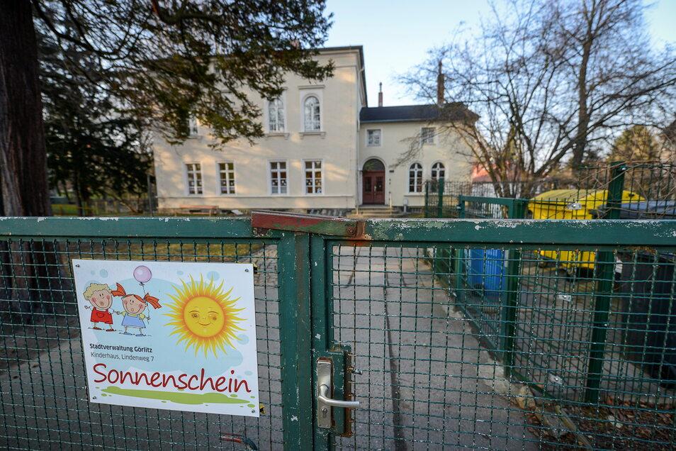 Symbolbild. Am Lindenweg in Görlitz befinden sich mehrere Kindereinrichtungen, unter anderem der Waggonbau-Betriebskindergarten Sonnenschein, hier auf einem Archivbild zu sehen.