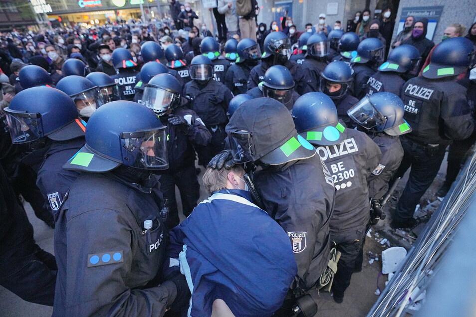 Die Polizei in Berlin war mit einem Großaufgebot im Einsatz.