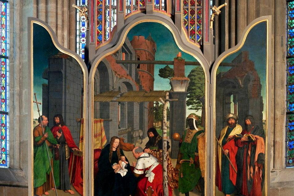 Der Dreikönigsaltar im Meißner Hochchor stammt aus dem Mittelalter und zeigt Ähnlichkeiten mit einem Werk des niederländischen Malers Hieronymus Bosch auf.