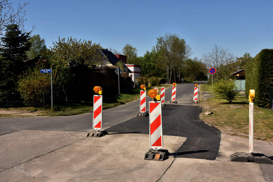 Die Reparaturarbeiten umfassten eher kleine Straßenflächen wie hier in der Luxemburgstraße im Westen Hoyerswerdas.