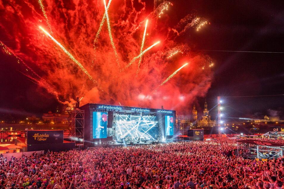 Bis 2019 feierten in jedem Sommer Tausende Kaiser-Fans wilde Partys am Elbufer.