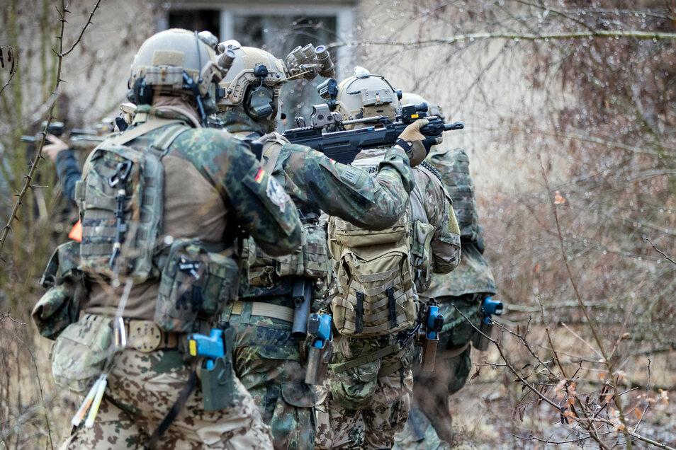 Die Bundeswehr-Eliteeinheit Kommando Spezialkräfte (KSK) hat etliche Probleme.