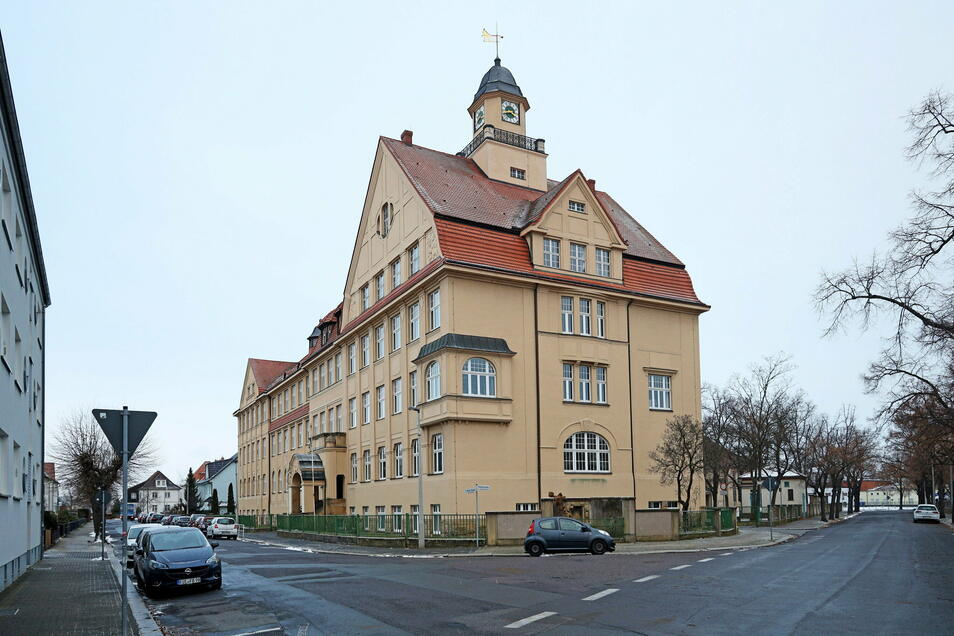 Eins der beiden Schulgebäude des Städtischen Gymnasiums.