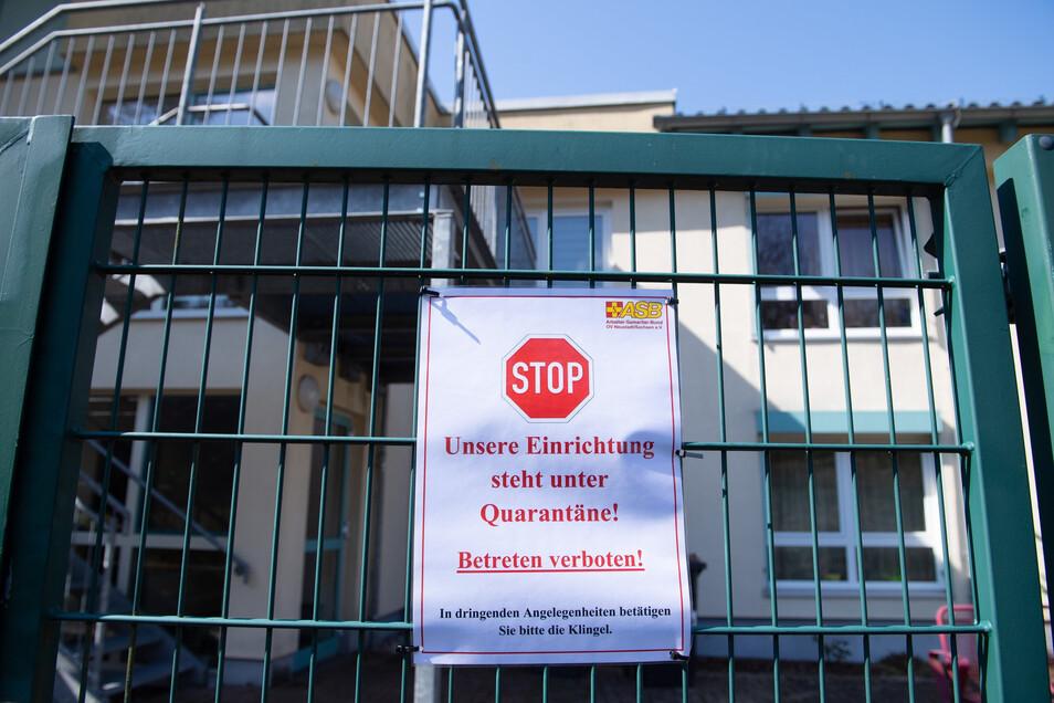 Das ASB-Seniorenpflegeheim in Hohnstein steht wegen des Coronavirus unter Quarantäne.