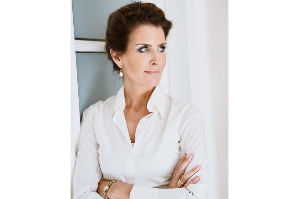 Dr. Mirriam Prieß ist Ärztin, Psychotherapeutin, Autorin und berät Firmen zu Gesundheitsmanagement und Burnout.