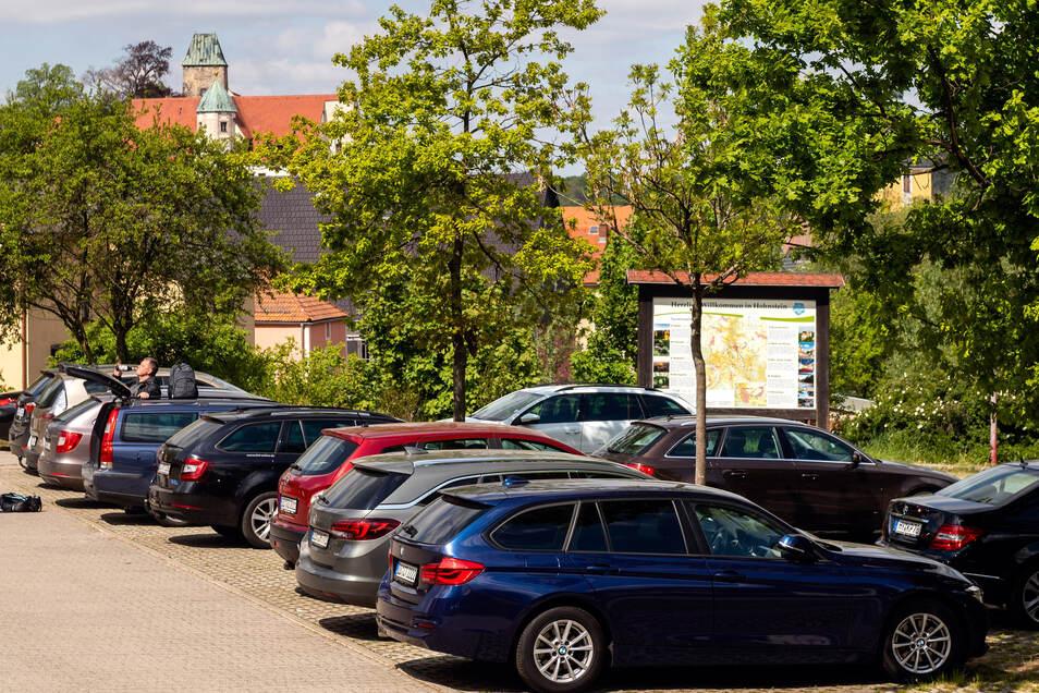 Die Parkgebühren kann man in Hohnstein künftig auch per Handy bezahlen.