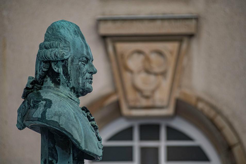 Der große Sohn der Stadt Kamenz - hier die Büste von Gotthold Ephraim Lessing vorm Lessingmuseum - steht im Mittelpunkt der Lessingtage, die dieses Jahr im Mai starten sollen. Knapp 20 Veranstaltungen warten dabei auf die Besucher.