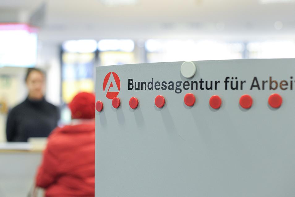 Die 6.000 Mitarbeiter in Sachsens Arbeitsagenturen und Jobcentern können von diesem Mittwoch an nicht mehr besucht werden.