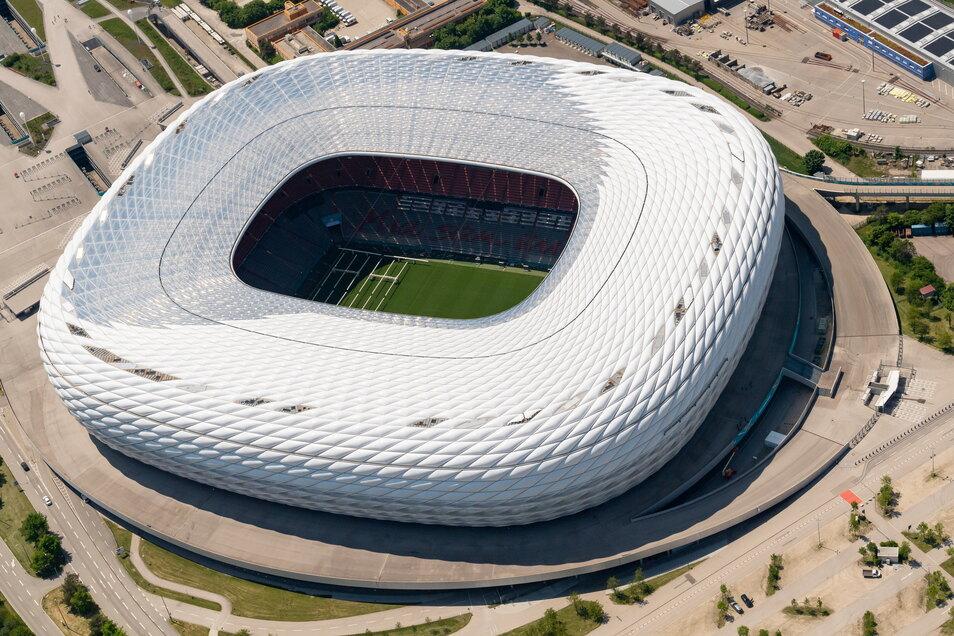 München, Allianz Arena: 14.000 zugelassene Zuschauer; drei Gruppenspiele, ein Viertelfinale.