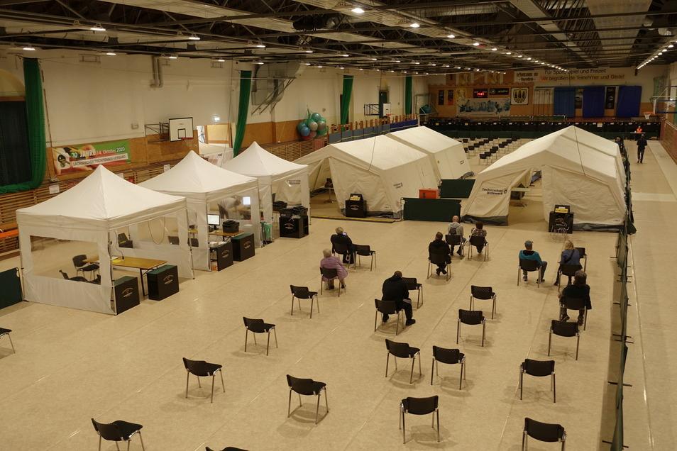 In der Sporthalle an der Burgstraße hatte die Stadt Döbeln vorübergehend ein Impfzentrum eingerichtet.