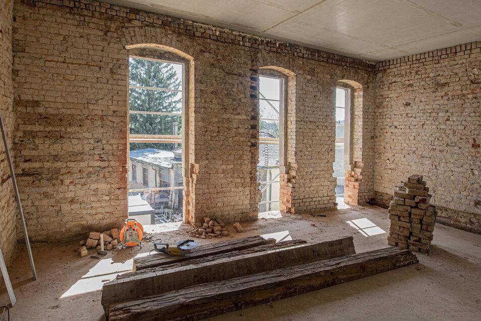 Im denkmalgeschützten Klinkerbau von 1900 entstehen sieben individuelle Wohnungen mit Größen zwischen 50 bis 130 Quadratmetern.