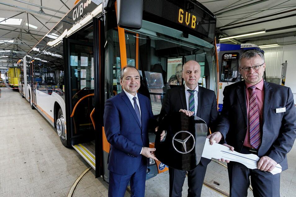 Schneller als neue Straßenbahnen konnten die Görlitzer Verkehrsbetriebe neue Busse in Betrieb nehmen. Hier ein erster Hybrid-Bus, der sowohl mit Diesel als auch mit Strom fährt.