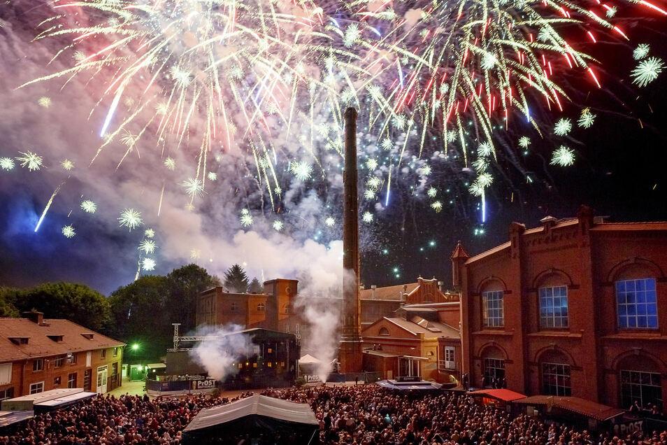 Feuerwerk über der Landskron-Brauerei