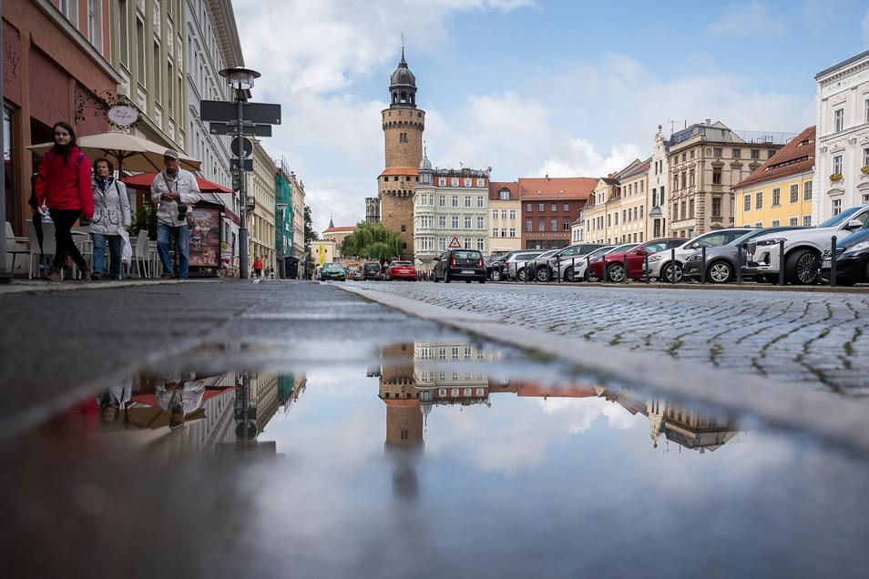 Regnerische Zeiten für Hausbesitzer und Mieter in Görlitz: Die Grundsteuer steigt rückwirkend zum 1. Januar 2021.