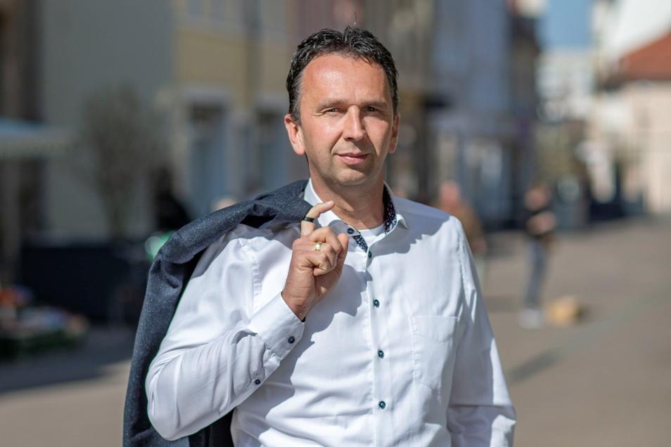 Marco Müller (CDU) ist Oberbürgermeister von Riesa. Er war im Sommer gerade erst wieder gewählt worden.