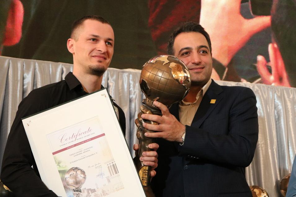 Stefan Minar (l.) vom C³-Projekt nahm die Auszeichnung entgegen.