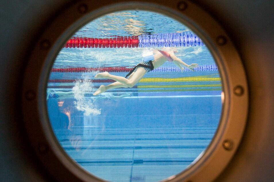 Für das Schulschwimmen ist der Schwimmkomplex am Freiberger Platz schon geöffnet. Ab kommender Woche dürfen auch alle anderen wieder ins Becken.
