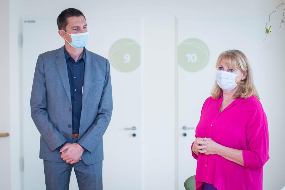 Sachsens Sozialministerin Petra Köpping (SPD) besuchte das Marien-Hospiz mit seinem Leiter Johannes Bittner.