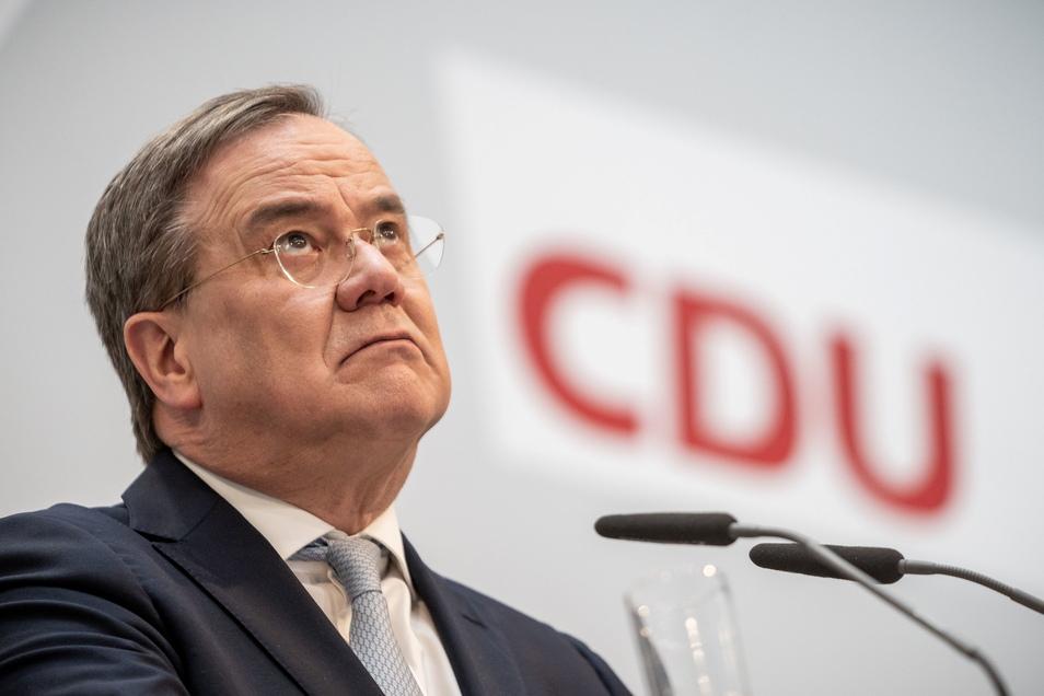 Armin Laschet oder Markus Söder: Wen schickt die Union ins Rennen ums Kanzleramt? Bis Ende der Woche haben beide eine Entscheidung angekündigt. Die Spannung wächst.