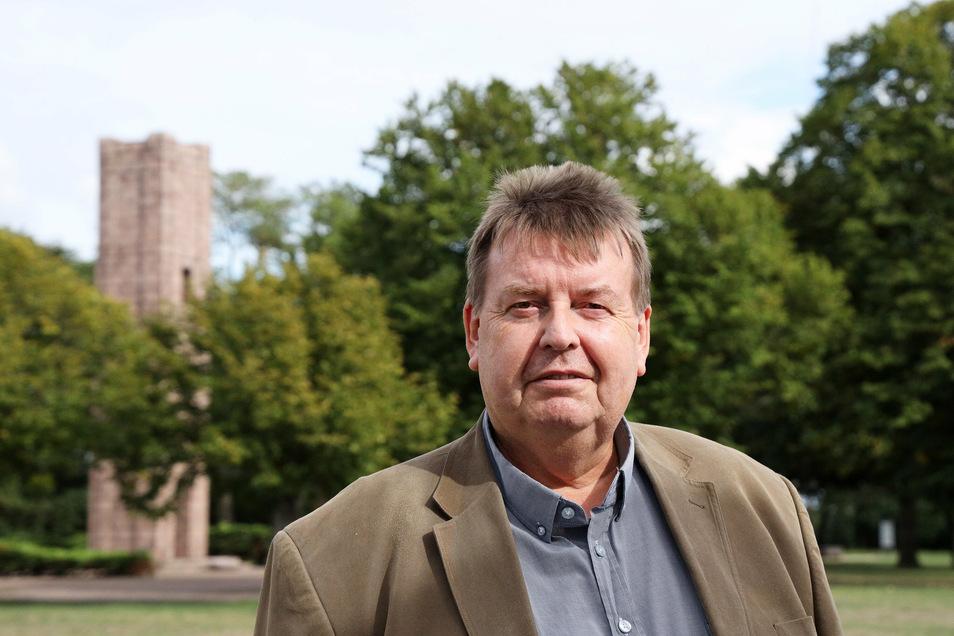 Peter Franke ist Vorsitzender des Fördervereins Gedenkstätte Ehrenhain Zeithain. Seit Jahren hofft der Verein darauf, die Geschichte des Gefangenenlagers auch bildungspolitisch zugänglicher zu machen.