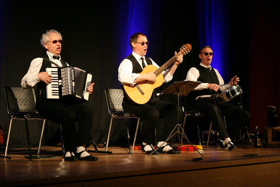 Das Zwingertrio mit Tom Pauls, Peter Kube und Jürgen Haase (v.l.) war schon mehrfach im Großenhainer Kulturschloss. Live geht das aber noch nicht wieder.