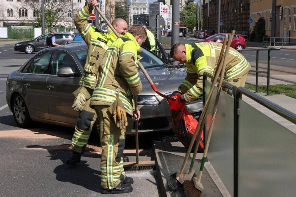... schickten die Verkehrsbetriebe einen Reparaturtrupp los.