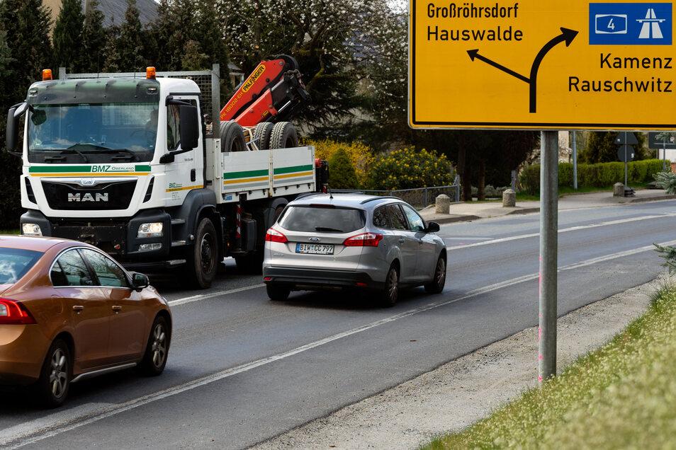 Bisher rollte es auf der B 98 in Rammenau in beiden Richtungen. Ab 20. April wird dieser Straßenabschnitt zur Großbaustelle und damit Einbahnstraße.