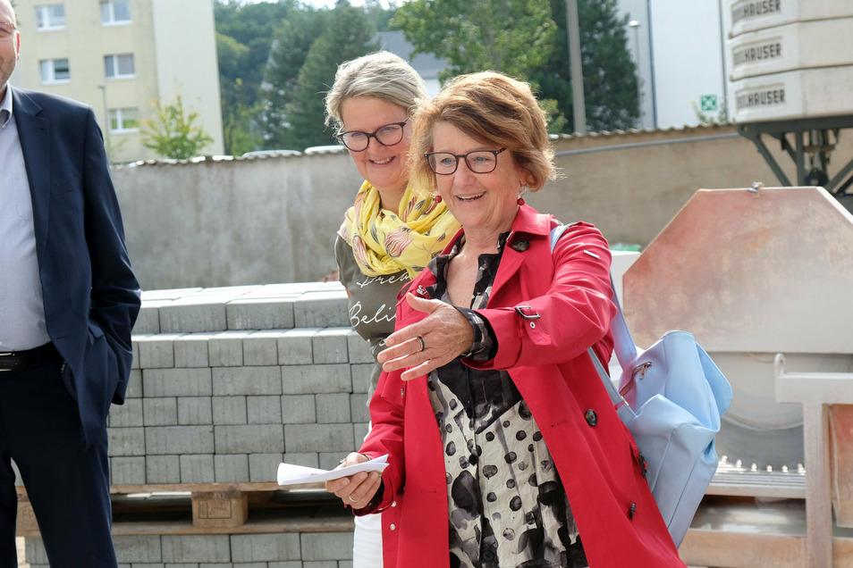 Nur noch drei Wochen, dann sind die neuen Wohnungen bezugsbereit, freut sich Seeg-Geschäftsführerin Birgit Richter.