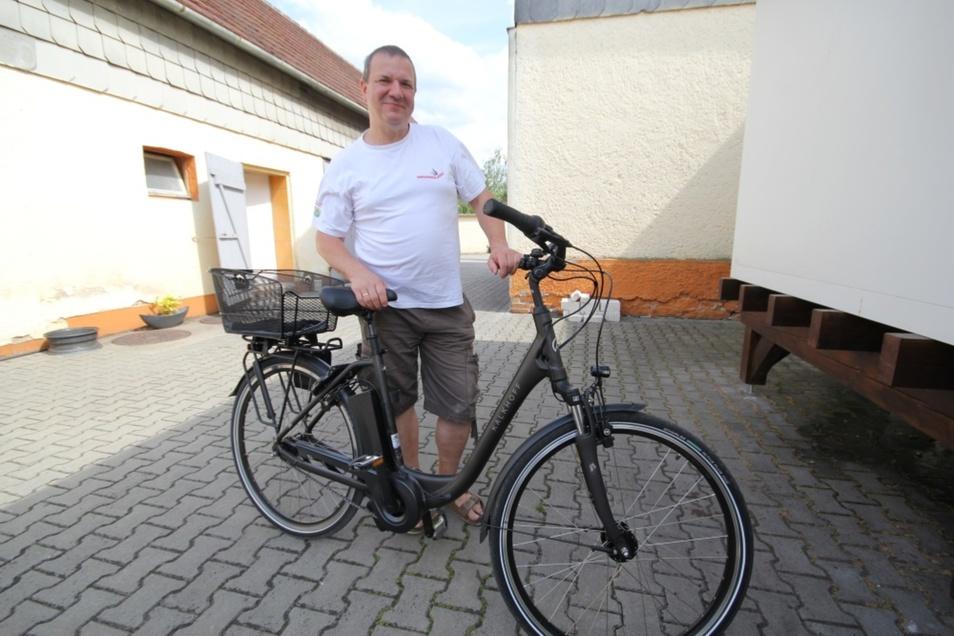 Drei E-Bikes wie diese hat der Bernsdorfer Bäckermeister Roland Ermer angeschafft. Seine Mitarbeiter können diese gratis in ihrer Freizeit nutzen.