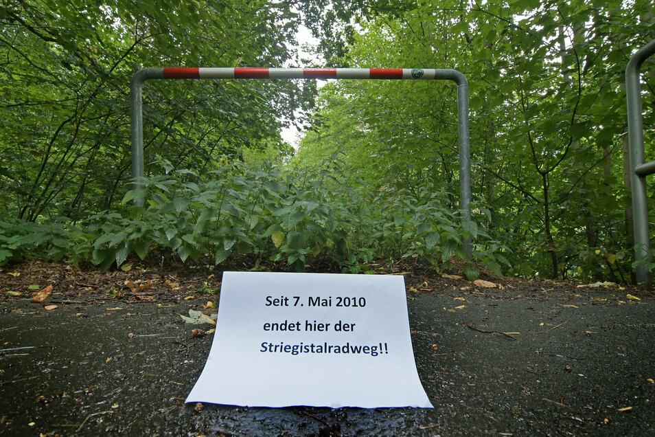 Von Roßwein aus ist ein Stück des Striegistalradweges gebaut worden. Doch in der Nähe von Niederstriegis ist bereits wieder Schluss.