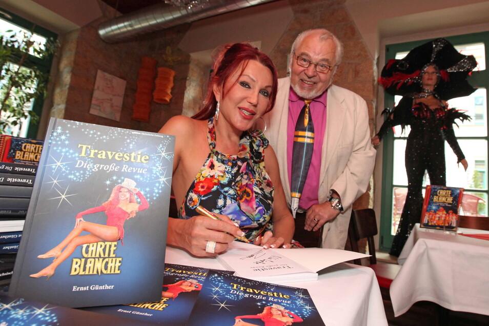 2009 brachte Ernst Günther gemeinsam mit Zora Schwarz ein Buch über Carte Blanche heraus.