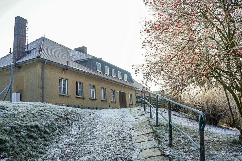 Aus dem unansehnlichen, ungenutzten Nebengebäude der Lessing-Grundschule ist inzwischen ein ansehnlicher Ort für Hort und Unterricht der Erstklässler entstanden.