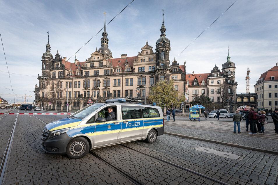 Ende November waren Einbrecher durch ein Fenster in das Grüne Gewölbe in Dresden eingedrungen.