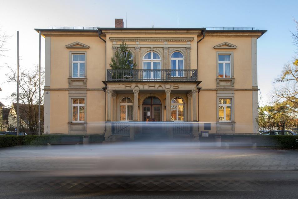 Die siebenjährige Amtszeit von Moritzburgs Bürgermeister Jörg Hänisch (parteilos) geht zu Ende. Bleibt er an der Spitze der Gemeinde, oder gibt es einen neuen Rathauschef?