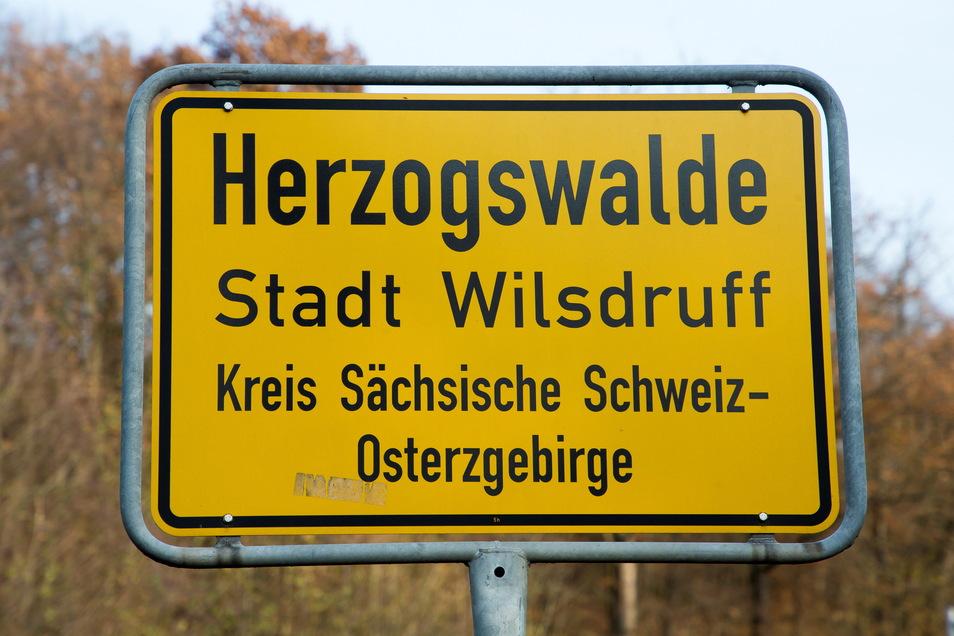 Bei Herzogswalde beginnen am Dienstag Arbeiten an zwei Brücken der B 173. Das führt zu Einschränkungen im Verkehr.