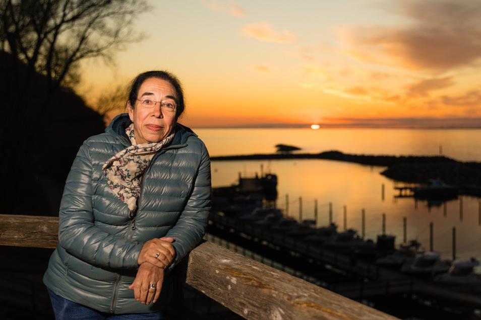 Lohmes Bürgermeisterin Joyce Klöckner hofft noch im Sommer auf Gäste.