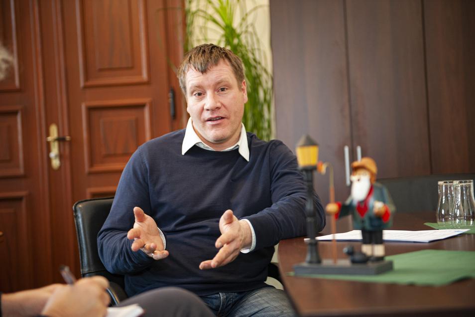 Großenhains Oberbürgermeister Dr. Sven Mißbach im Gespräch mit der Sächsischen Zeitung. Der parteilose Verwaltungschef erklärt, in welchen Zwängen sich die Stadtväter zuweilen befinden.