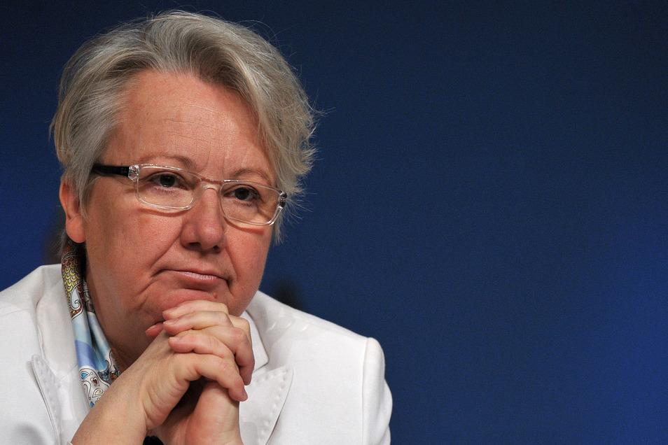 Die frühere Billdungsministerin Annette Schavan (CDU) wurde 2014 zur Botschafterin im Vatikan berufen. Dafür hatte sie allerdings nicht die Voraussetzung, begründet die AfD ihre Klage.