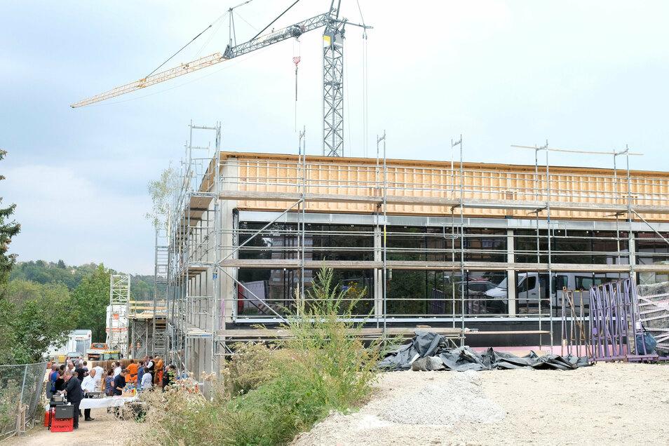 Auf der Baustelle der Questenbergschule geht es unterschiedlich schnell voran.
