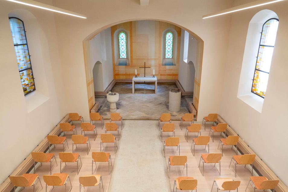 So hell war die Streumener Kirche im Inneren noch nie. Statt alter Kirchenbänke gibt es nun Stühle, die man auch mal zur Seite räumen kann.