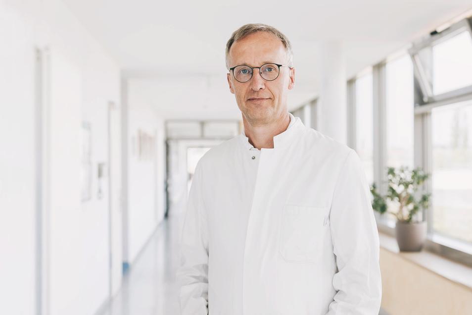 Der neue Chefarzt der Fachabteilung für Allgemeine Innere Medizin, Gastroenterologie und Kardiologie PD Dr. med. habil. Hans Bödeker
