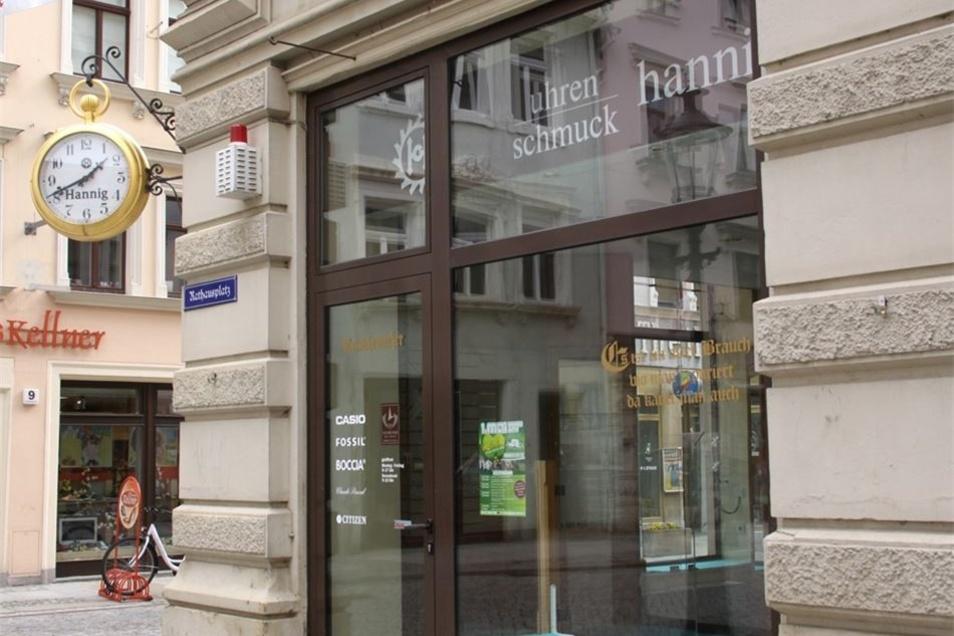 ... in das ehemalige Geschäft von Ratsuhrmachermeister Guido Hannig.