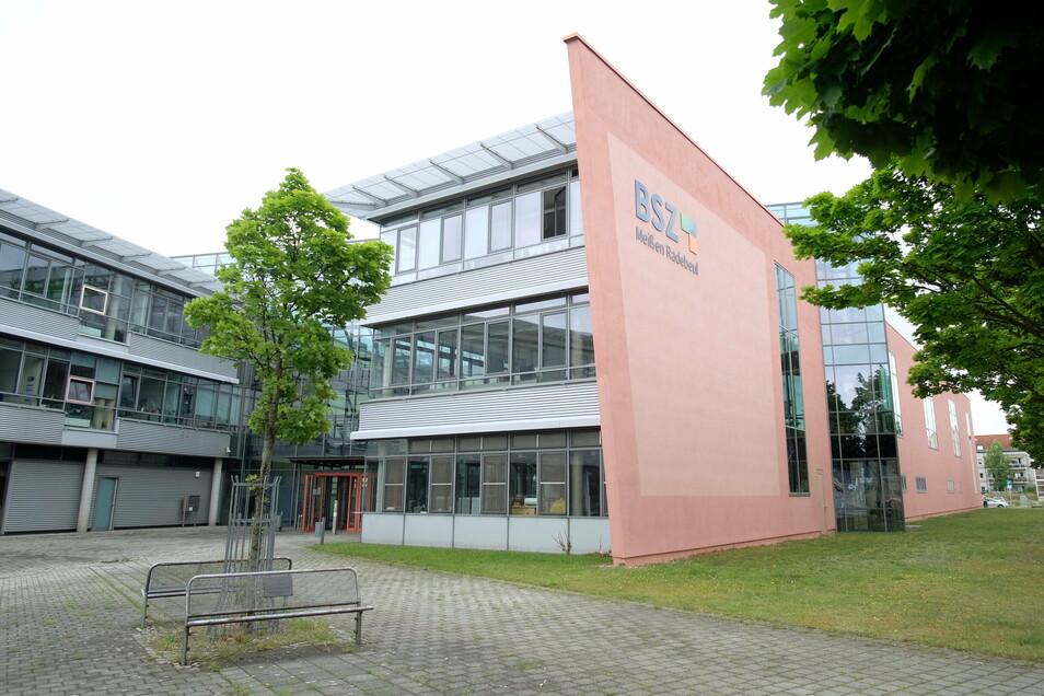 Am Berufliche Schulzentrum werden Bauarbeiten vorbereitet. In diesem Jahr beginnen sie im Werkstattflügel an der Goethestraße.