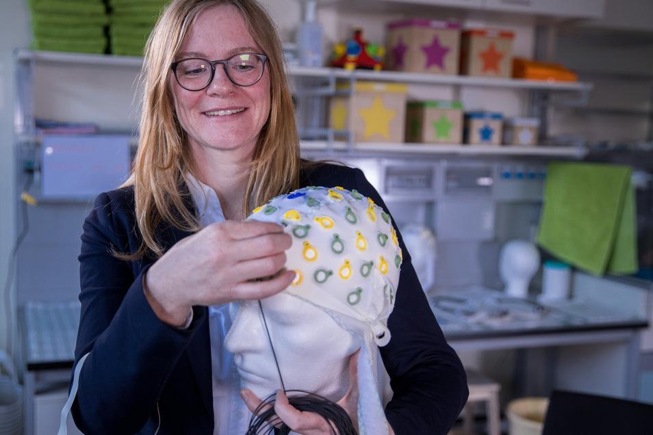 Entwicklungspsychologin Nicole Wetzel erforscht mit ihrem Team die Aufmerksamkeit im Kindesalter und bei Erwachsenen sowie die Auswirkung von Ablenkung bei Denk- und Lernprozessen.