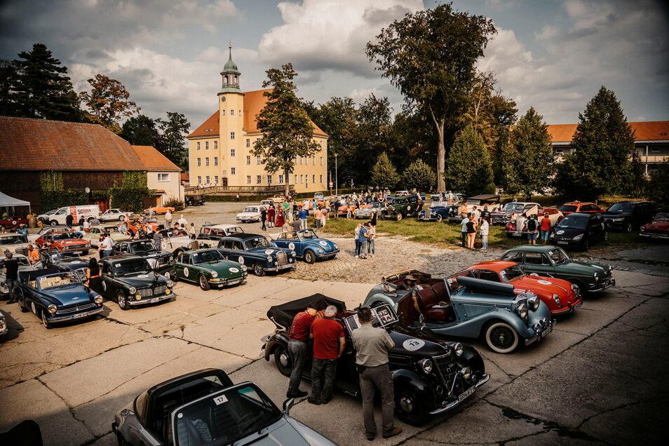 So sah es im vorigen Jahr bei der Rallye aus - zahlreiche Oldtimer sind auch dieses Jahr wieder dabei.