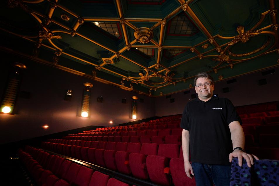 Hendrik Schönfeld vom Filmpalast Pirna freut sich, dass hier wieder Hollywood-Streifen laufen.